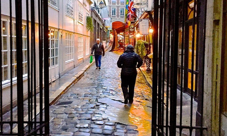 Early morning winter stroll, Paris, France.